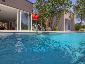 Villa Jure 900m Strand