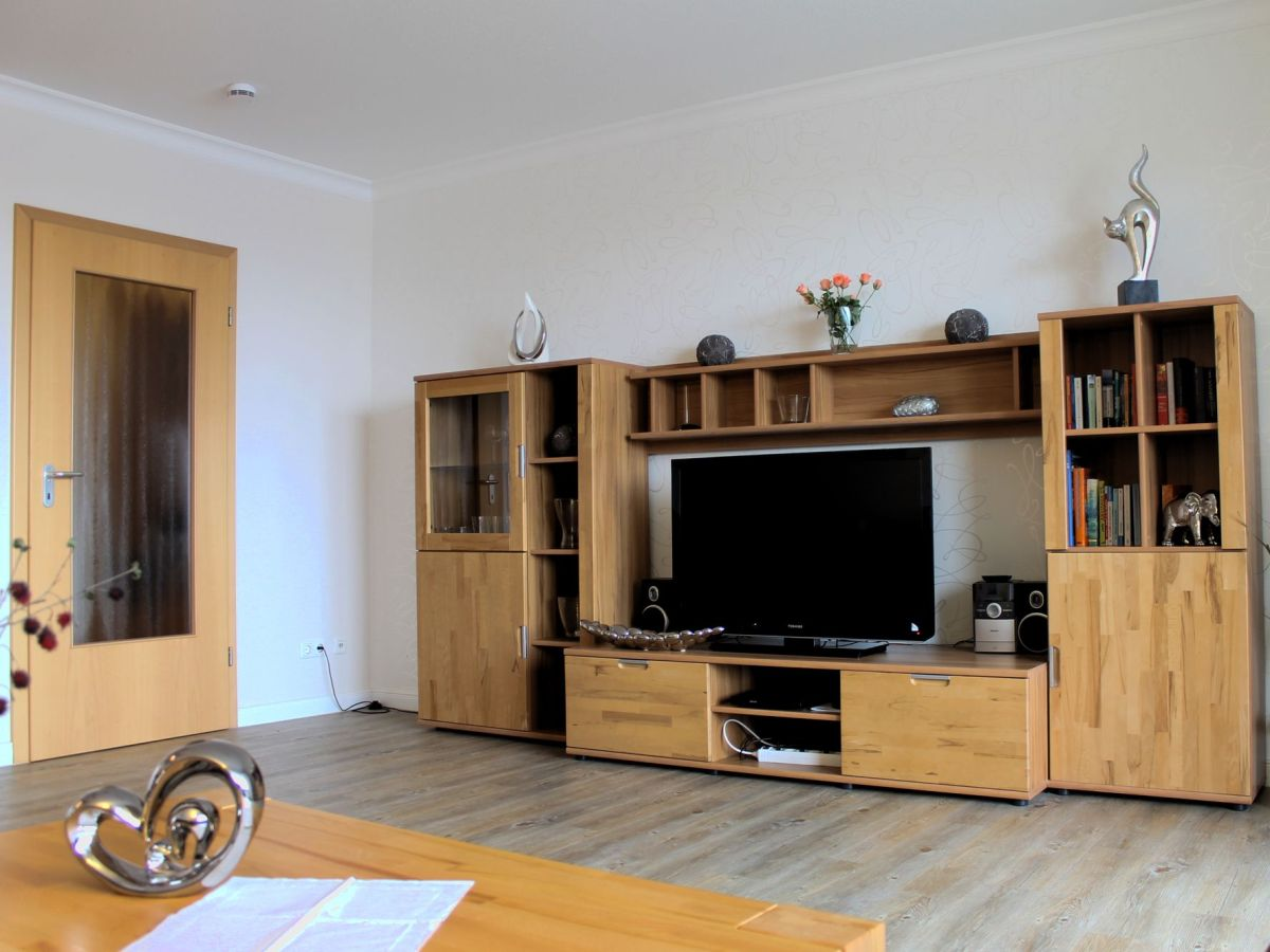 Ferienwohnung ankerplatz 2 5 b sum firma k hler for Tv schrankwand