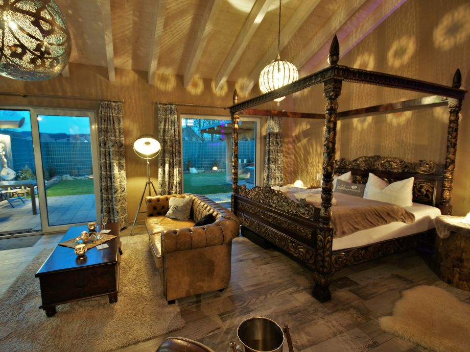ferienhaus kamasutra suite priwello eifel hersdorf. Black Bedroom Furniture Sets. Home Design Ideas