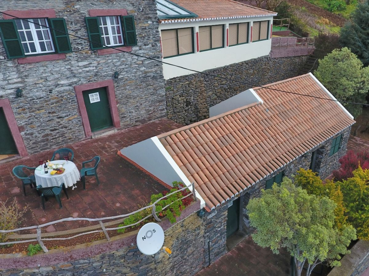 Cottage eirinha madeira faja da ovelha firma check in for Haus in madeira