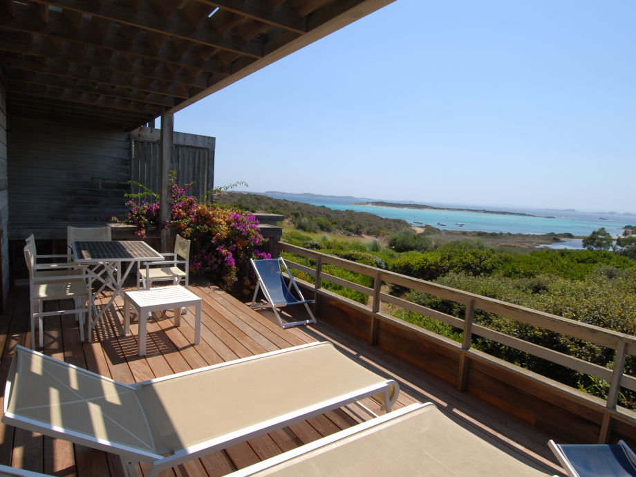 The terrace with beautiful view on Piantarella beach
