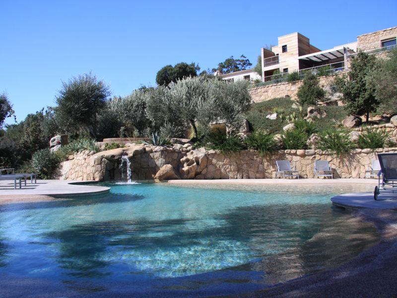 Villa in the Residence Albitru