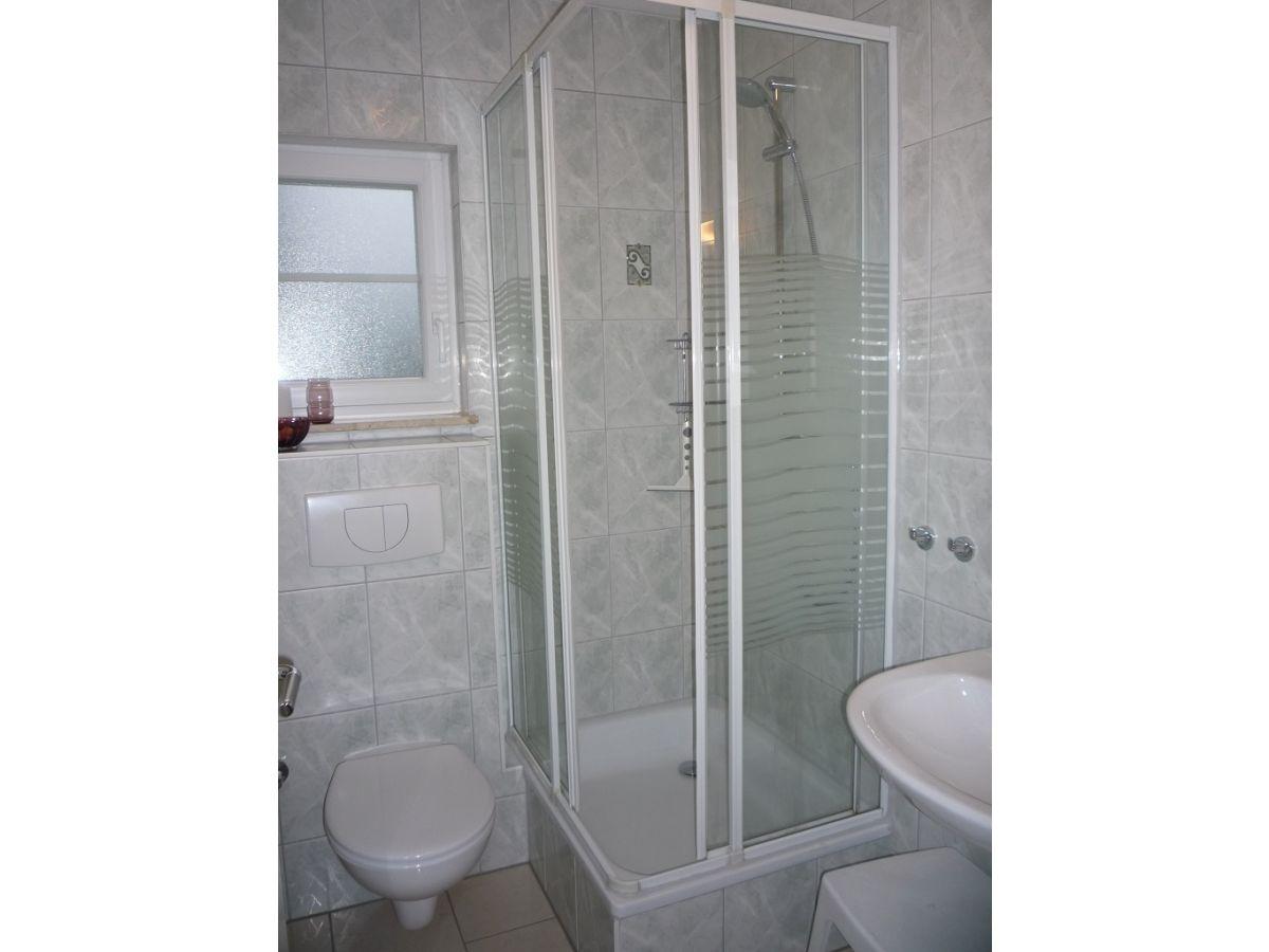 Ferienwohnung bartling vineta 8 usedom zempin firma for Badezimmer ausstattung