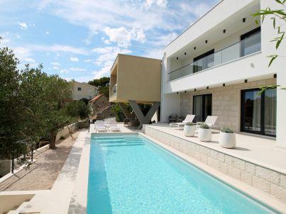Villa Olive Grove, 120 m from sand beach