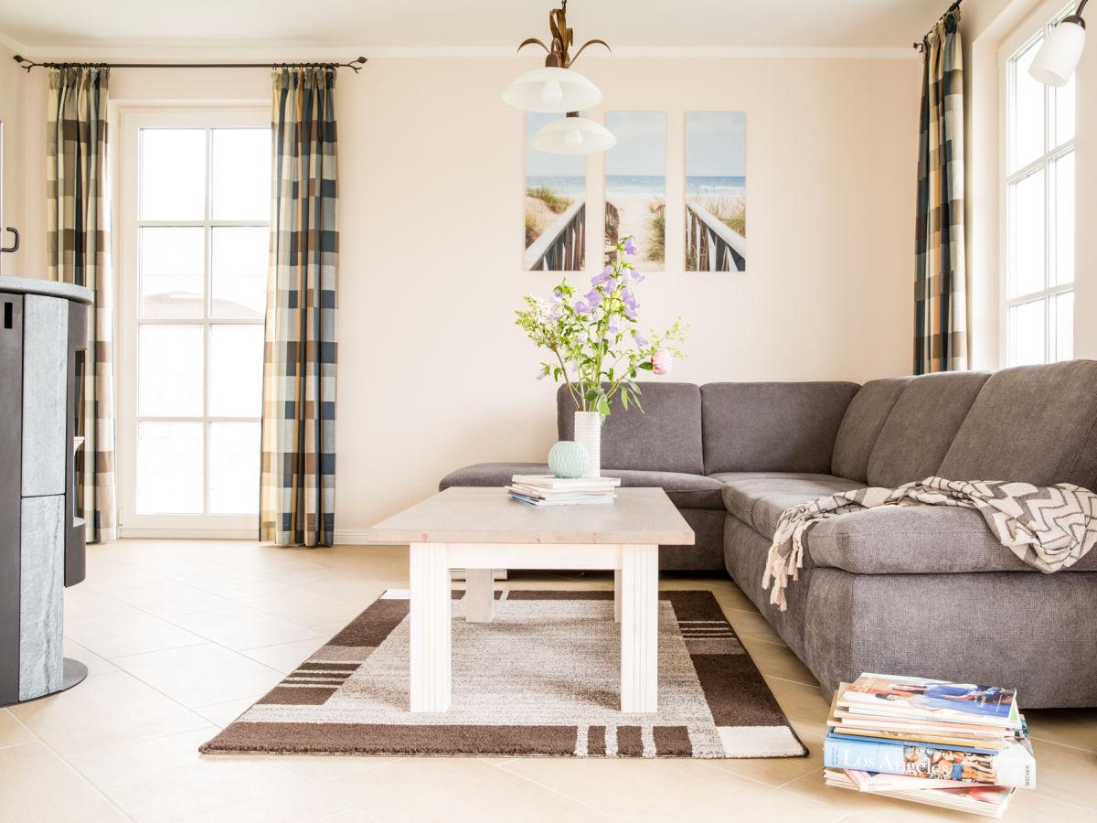 ferienwohnung schilfrohrs nger 30 ostsee fischland dar zingst firma relamare gmbh frau. Black Bedroom Furniture Sets. Home Design Ideas