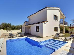 Villa 349