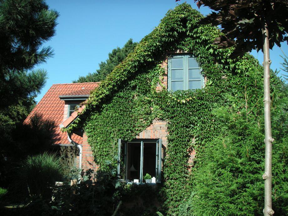 """Feriendomizil """"Green Garden Cottage"""""""