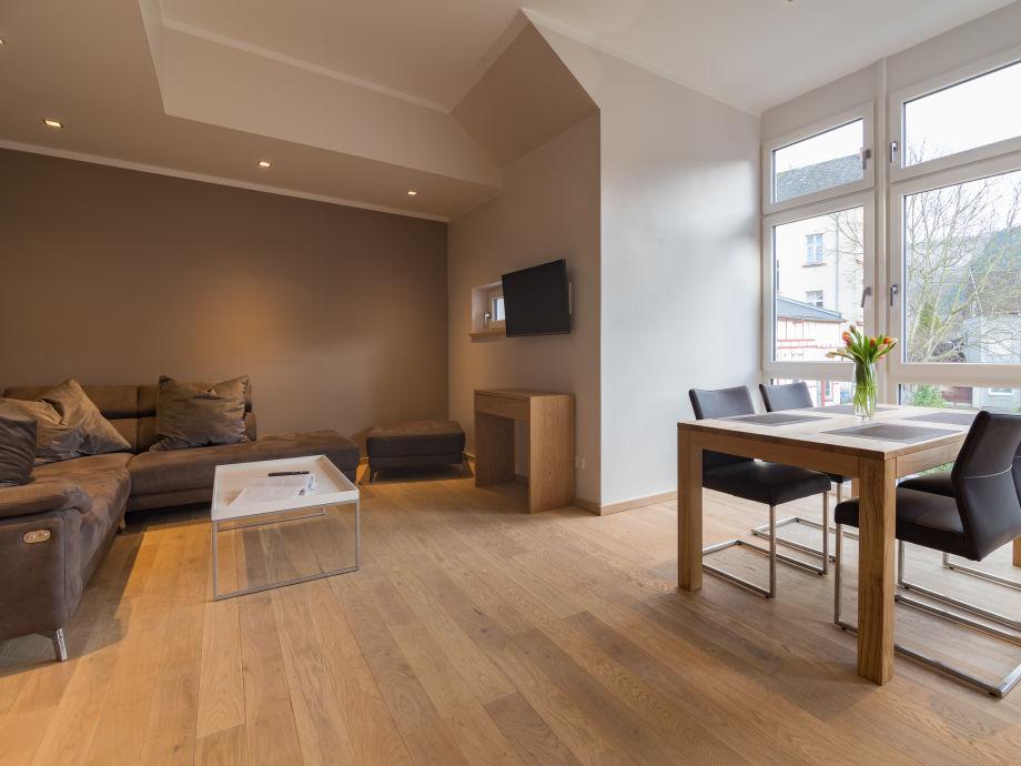 Ferienwohnung rottmannstrasse 1 og mosel traben for Sitzecke wohnzimmer