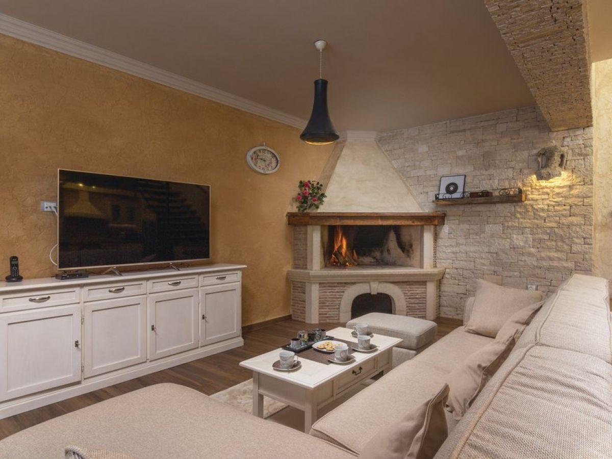 reihenhaus modernes steinhaus starici porec istrien herr oliver bosnjak. Black Bedroom Furniture Sets. Home Design Ideas