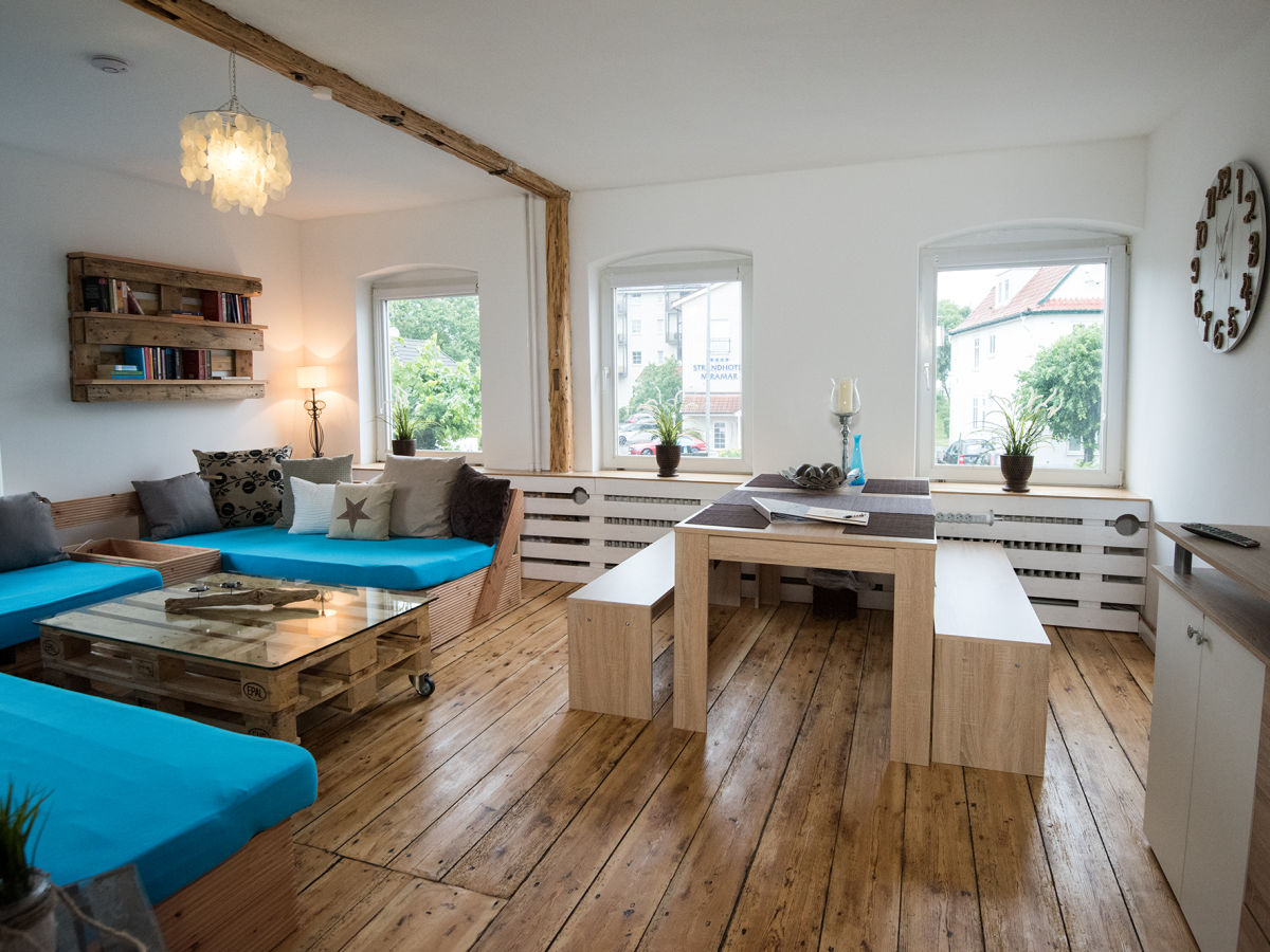 ferienwohnung strandbude 82 og niendorf ostsee frau. Black Bedroom Furniture Sets. Home Design Ideas
