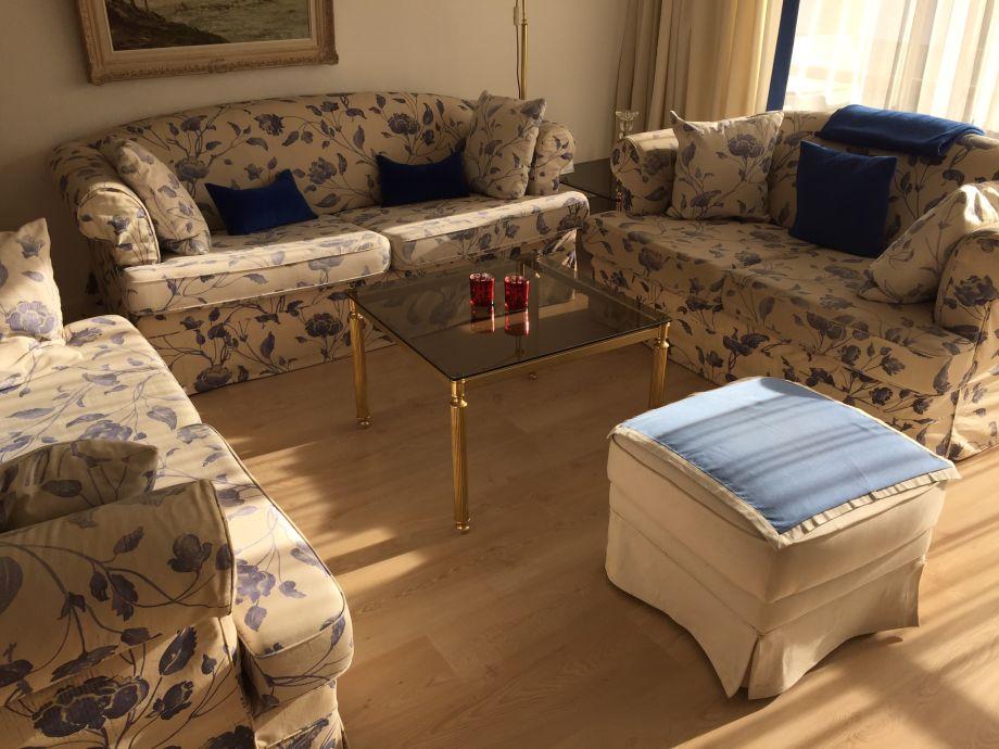 Ferienwohnung alpenflora direkt in garmisch garmisch - Couchgarnitur wohnzimmer ...