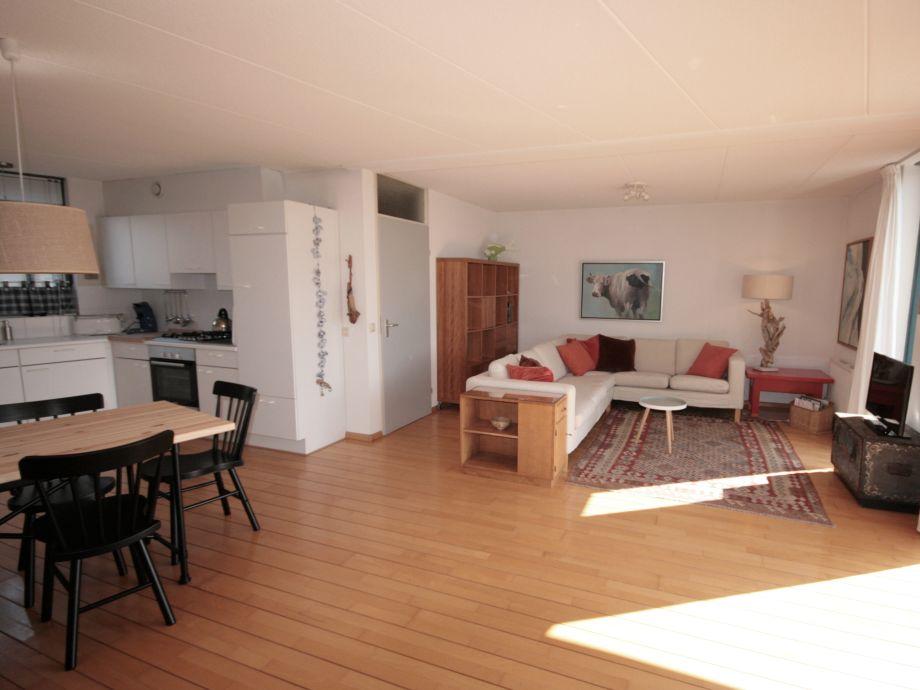 offenes wohnzimmer classicline wei ideen offene kche wohnzimmer groes offenes wohnzimmer. Black Bedroom Furniture Sets. Home Design Ideas