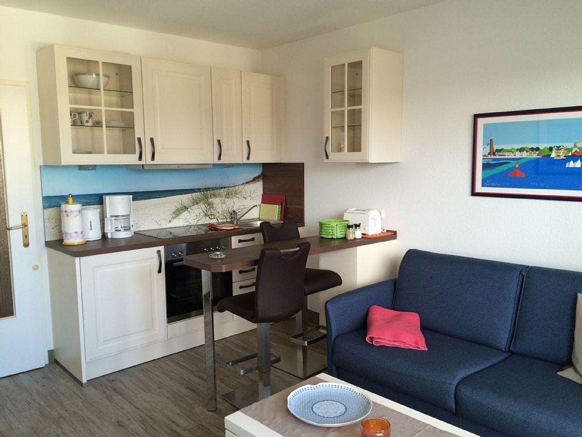 ferienwohnung strandsternchen laboe an der ostsee frau. Black Bedroom Furniture Sets. Home Design Ideas