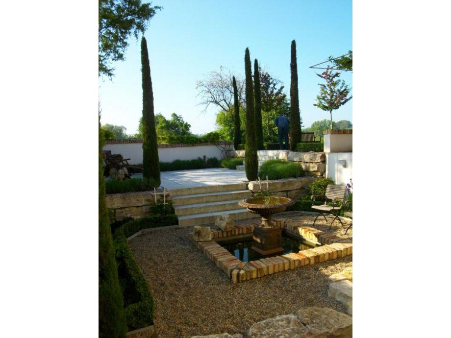 Blick in den meditrranen Garten