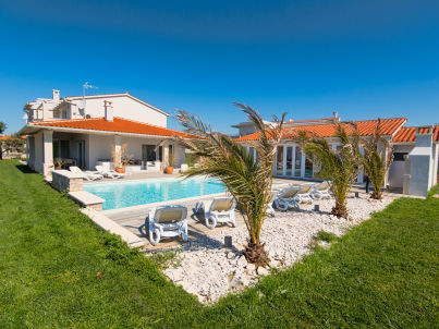 NEW White Villa, 60m² Pool