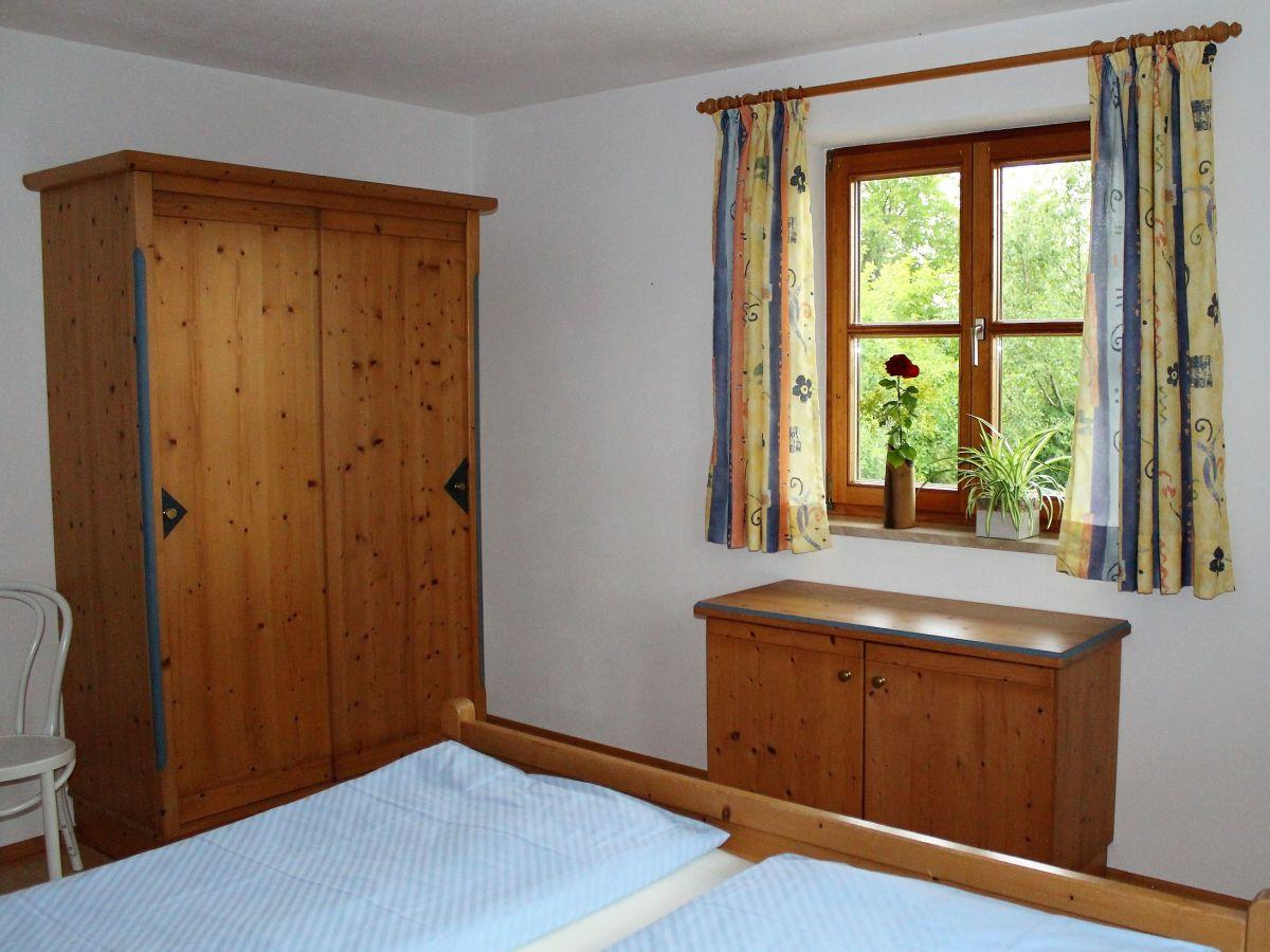 ferienwohnung 8 am chiemseeufer g stehaus paulfischer chieming firma g stehaus paulfischer. Black Bedroom Furniture Sets. Home Design Ideas