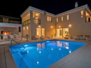 Villa Neverending Story