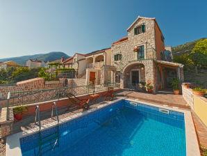 Villa Brac Stone