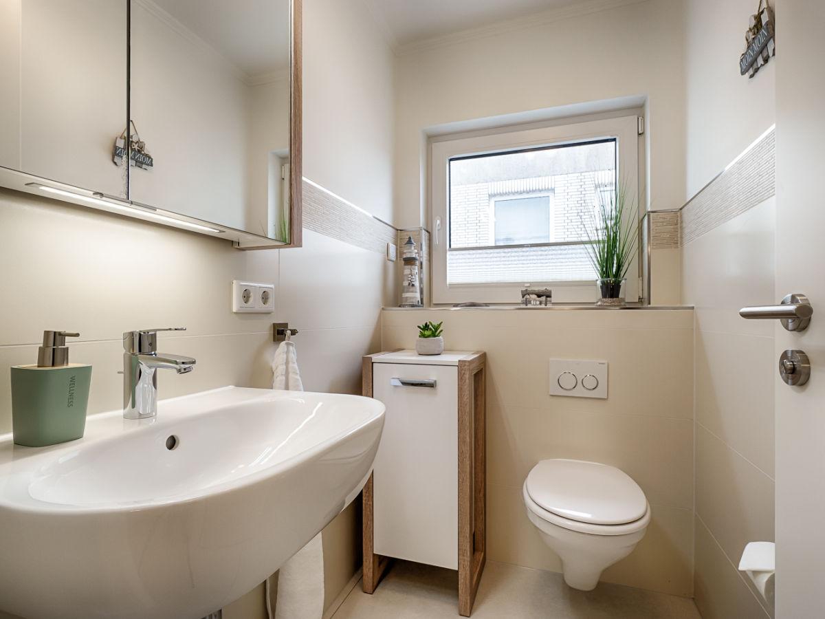 ferienwohnung 3 zi penthouse oben auf sylt in bester lage westerland firma mrm gmbh. Black Bedroom Furniture Sets. Home Design Ideas