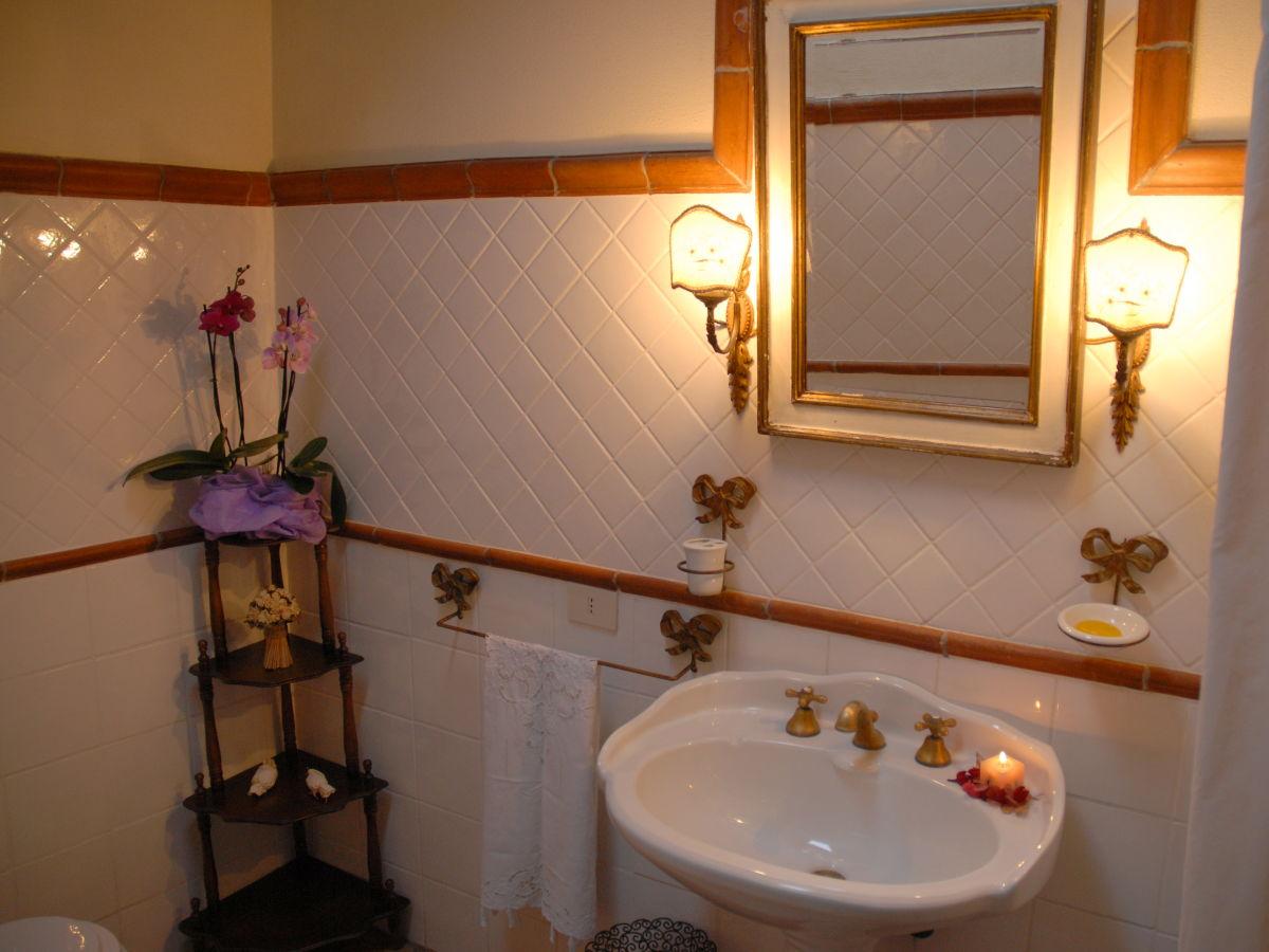 villa leonardo umbrien firma siena shire s r l frau vittoria moggi. Black Bedroom Furniture Sets. Home Design Ideas
