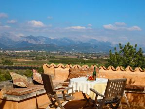 Finca Holiday Country house Mallorca sleeps 6