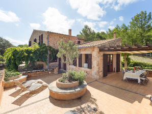 Finca Holiday Country house Mallorca sleeps 6