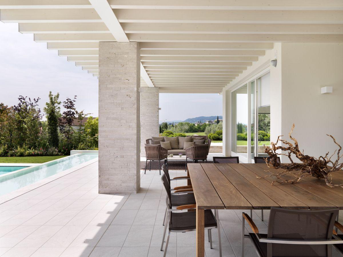 villa baldo gardasee firma villas srl herr filippini. Black Bedroom Furniture Sets. Home Design Ideas