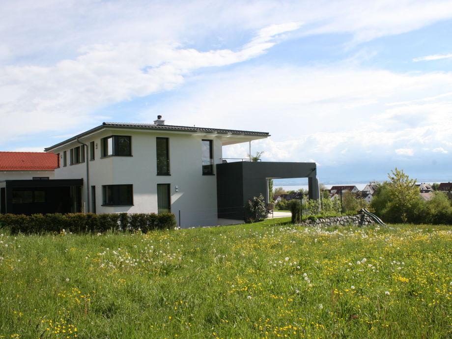 Haus Außenansicht mit Blick auf den See