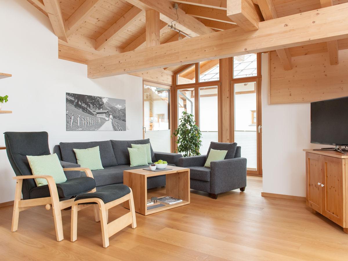 Ferienwohnung auszeit oberallg u oberstdorf frau ulrike tauser - Wohnzimmer dachgeschoss ...
