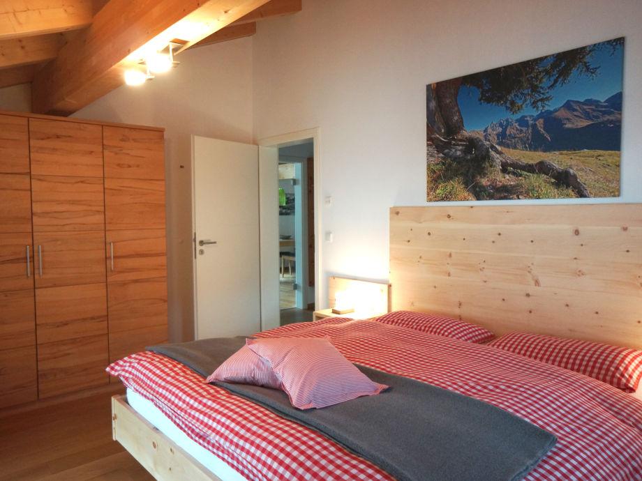 Ferienwohnung auszeit oberallg u oberstdorf frau for Schlafzimmer dachgeschoss