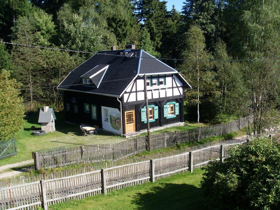 Umgebindehaus  mit Fassadenmalerei