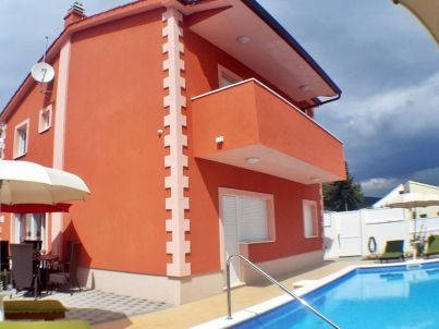 New house with pool, Okrug Gornji