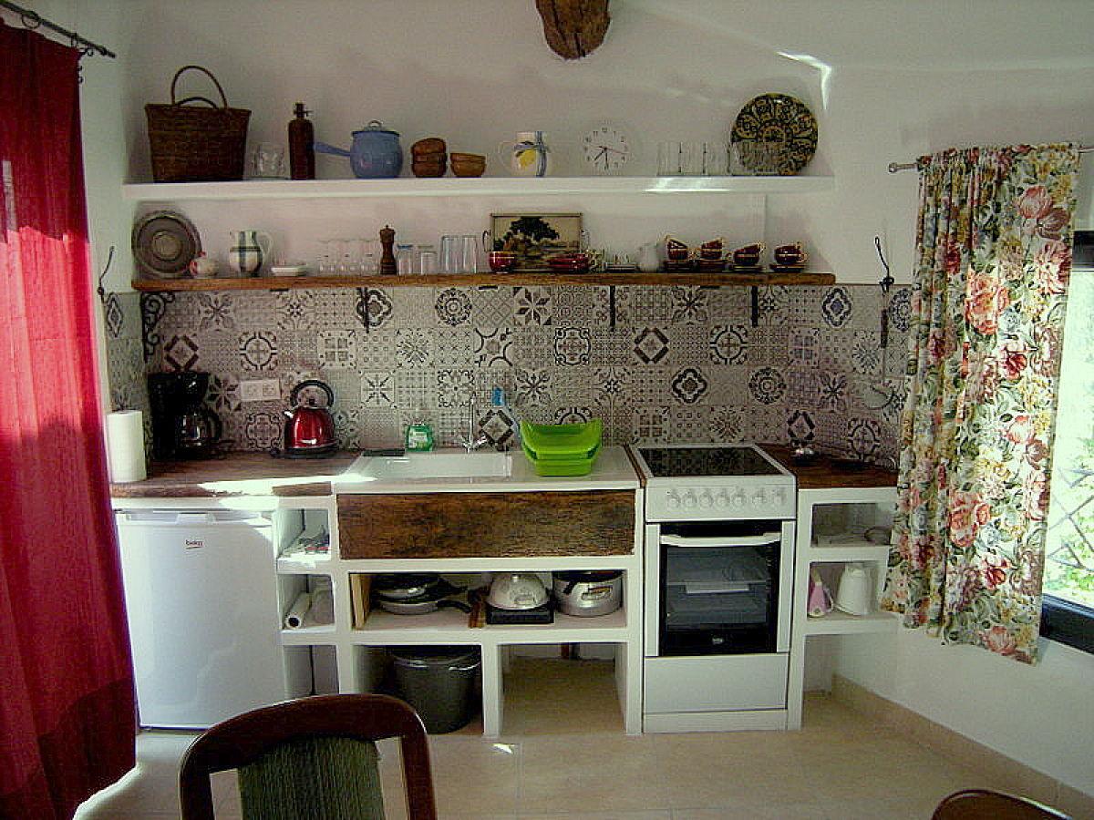 ferienhaus maison marianne s dfrankreich languedoc roussillon familie mathias und judith. Black Bedroom Furniture Sets. Home Design Ideas