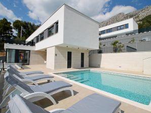 Villa Petra mit Meerblick & Pool
