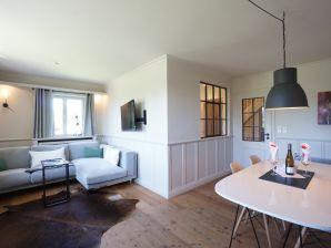 """Ferienhaus Schönes 3-Zi-Eckhaus """"Comfort-Oase"""" unter Reet"""