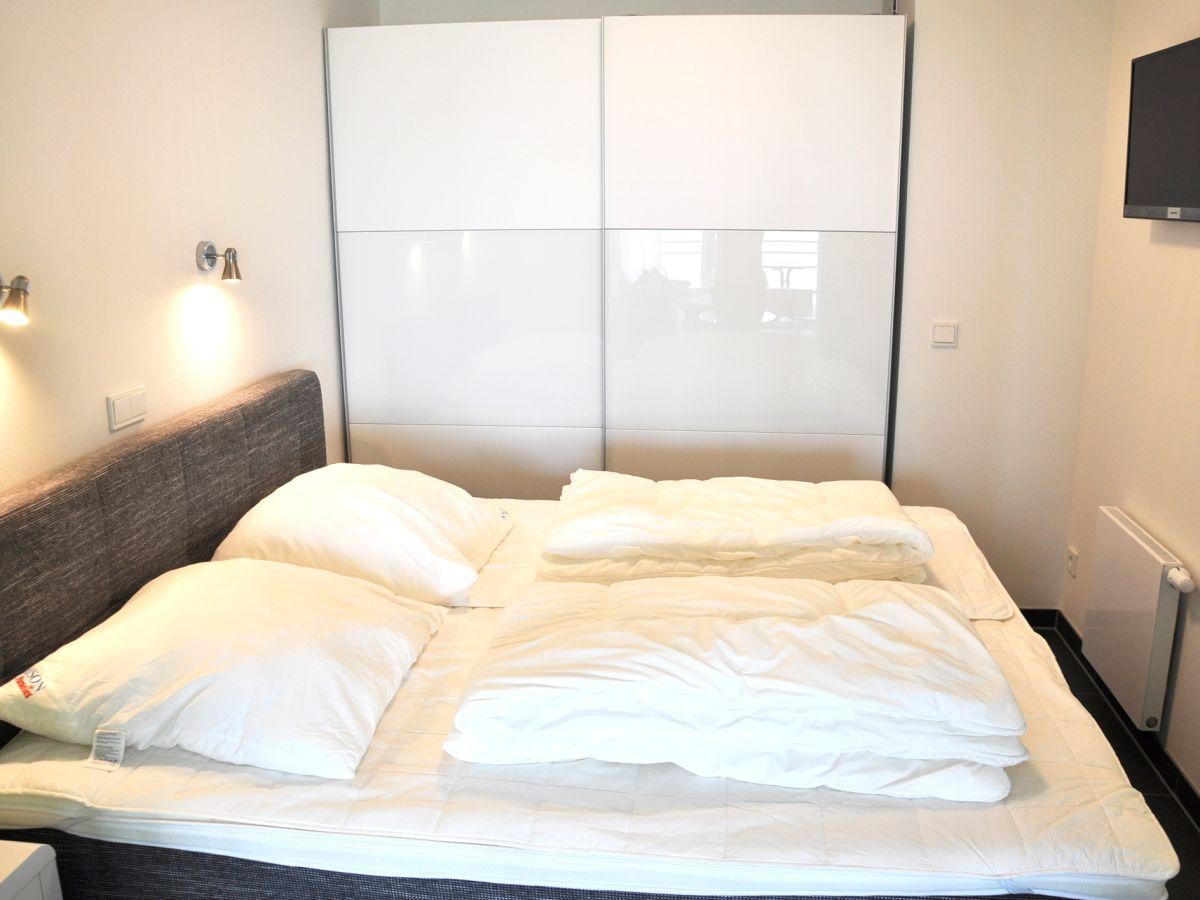 ferienwohnung deck 8 im d nenpark heiligenhafen ostsee heiligenhafen firma. Black Bedroom Furniture Sets. Home Design Ideas