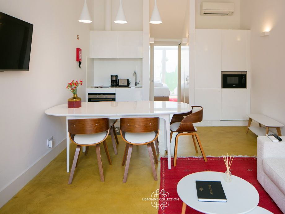 Ausstattung Ap26 - One bedroom with terrace & garden in Graça