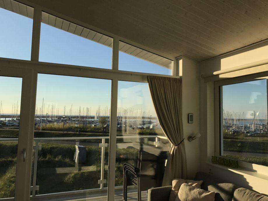 Blick aus dem Wohnzimmerfenster - Yachthafen von Wendto