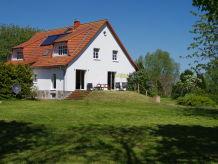 Ferienwohnung im Landhaus Rosengarten auf Rügen