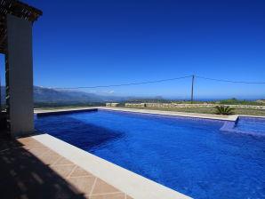 Naturstein - Villa Pegasus mit traumhaftem Panoramablick