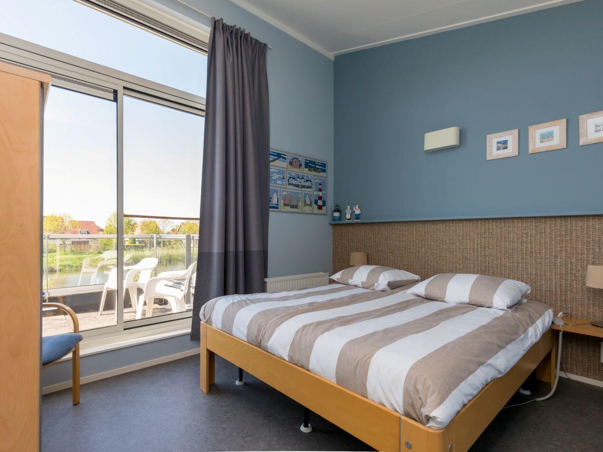 ferienhaus marinapark oude tonge gruppenhaus f r 12 personen oude tonge firma nautic rentals. Black Bedroom Furniture Sets. Home Design Ideas