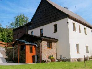 Ferienwohnung 2 im Ferienhaus Am Waldweg