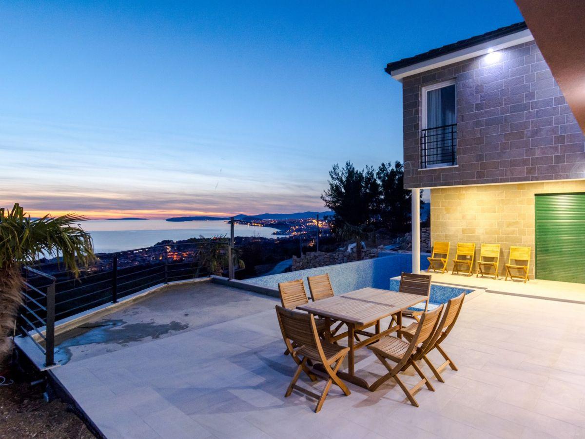 Villa royal dalmatien firma croatia luxury rent d o o for Villa royale