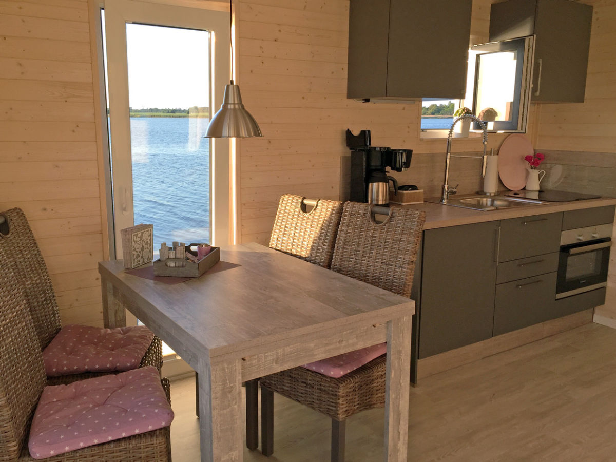 hausboot sundowner ferienregion schleswig holstein ostsee spitze firma stern hausboot gmbh. Black Bedroom Furniture Sets. Home Design Ideas