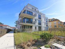 Ferienwohnung F.01 Strandvilla Andrea Whg. 04 mit Terrasse (Süd)