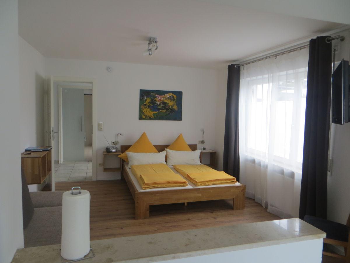 ferienwohnung a im g stehaus sommertal meersburg firma g stehaus sommertal frau kristin sch ttl. Black Bedroom Furniture Sets. Home Design Ideas