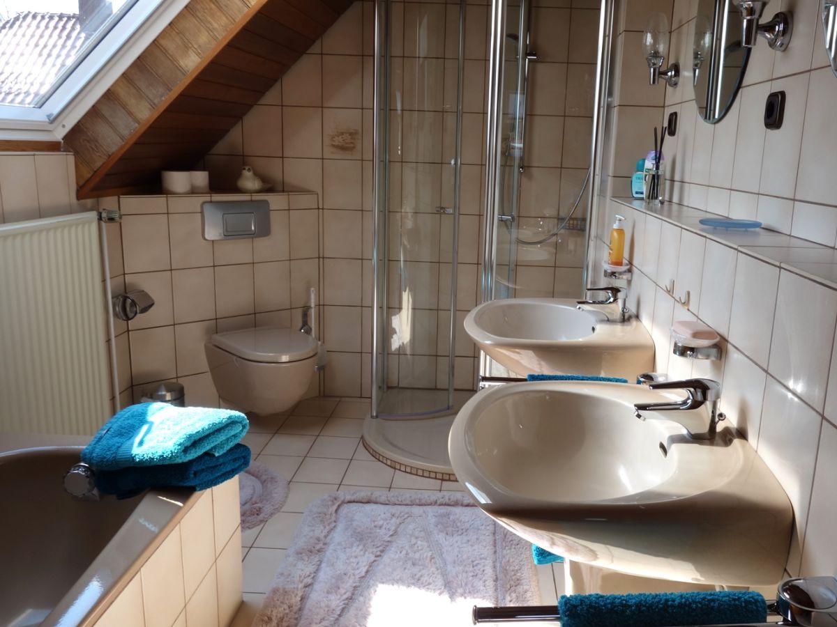 Ferienwohnung ottink rhauderfehn frau hildegard ottink - Badezimmer zwei waschbecken ...