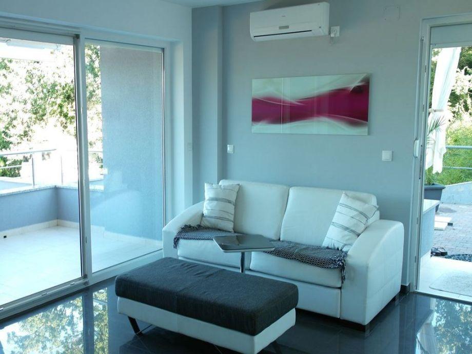 ferienwohnung letizia njivice insel krk kvarner bucht firma anna tours gmbh njivice. Black Bedroom Furniture Sets. Home Design Ideas