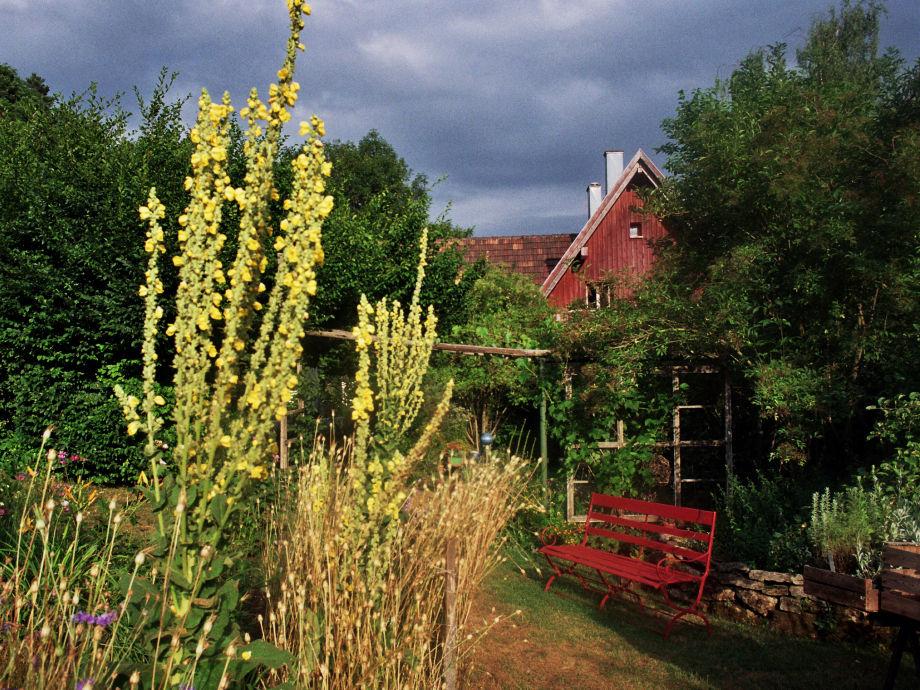 Das Haus mitten im Garten