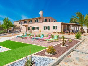 Villa SON LLUCIA